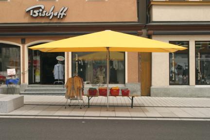 lambert-gmbh-goeppingen-marktsysteme-marktbedarf-marktschirme-rs-centro-strasssenverkauf-gelb