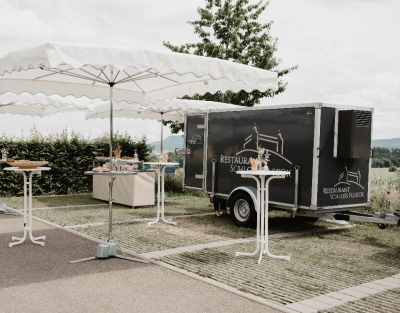 lambert-gmbh-goeppingen-marktsysteme-marktbedarf-verkaufsanhaenger-kuehlanhaenger-sonderanfertigung-typ100-promotionanhaenger-gastronomie