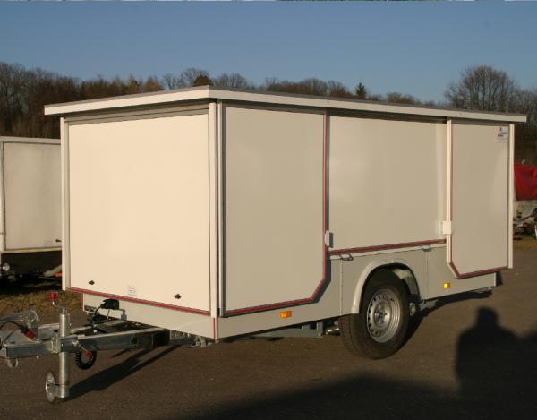 lambert-gmbh-goeppingen-marktsysteme-marktbedarf-verkaufsanhaenger-marktanhaenger-typ500-geschlossen