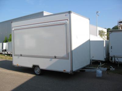 lambert-gmbh-goeppingen-marktsysteme-marktbedarf-verkaufsanhaenger-marktanhaenger-typ640-innensteher-geschlossen